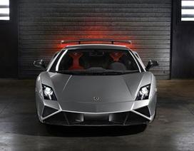 Lamborghini công bố giá bán LP 570-4 Squadra Corse.